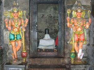 Offering Pinvilakku To Shiva Temple Can Bring Good Things To Life