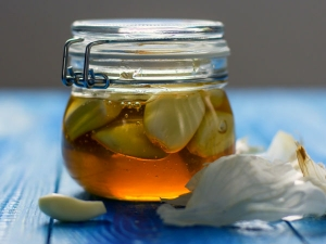 Honey Fermented Garlic Natural Remedy For Cold And Flu