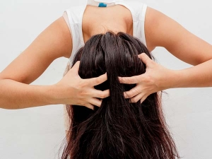 Daily Habits That Are Ruining Your Hair