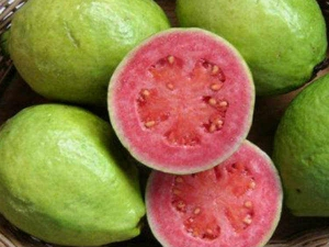 How To Consume Guava Seeds And Its Benefits