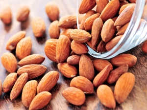 Almond Every Day To Reverse The Signs Of Ageing In Malayalam