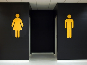 Tips And Hacks To Use Public Washrooms Safely