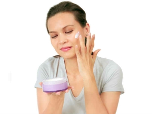 Why You Should Not Skip Using Night Cream
