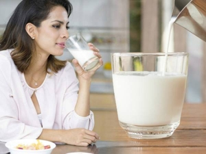 Signs You May Need To Stop Drinking Milk