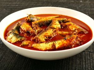 Kerala Style Mathi Kurumulakittath Sardine Pepper Curry Recipe In Malayalam