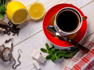 Black Soybean Tea Can Help You With Weight Loss